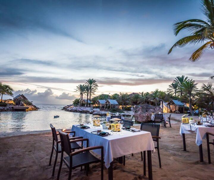 Restaurant-on-the-Beach-menu-baoase